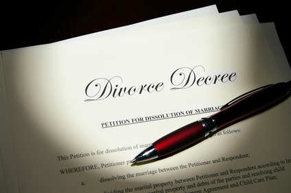 Don Sinkov of yourdivorcemediator.com uses a real life example of why you should not write your own divorce agreement.